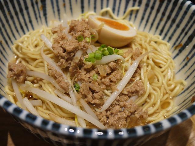 肉燥麺(ローザオメン)