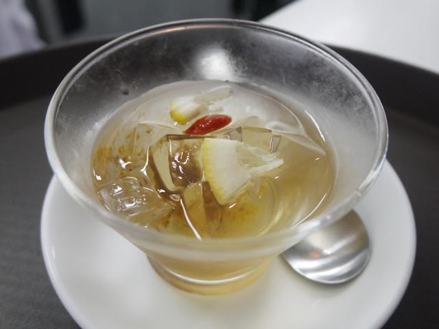 キンモクセイの蜜煮入りオーギョーチ