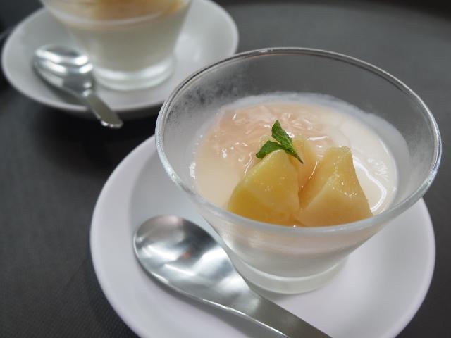 桃のプリン