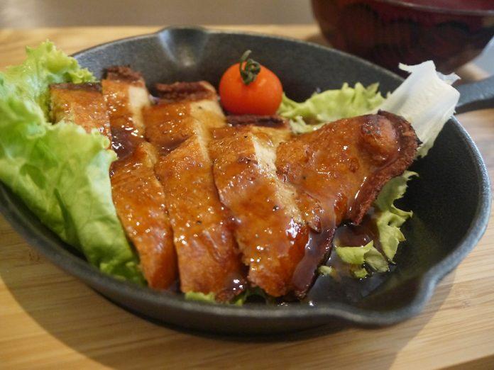 「台湾式ベジタリアンレストラン veggie house」のローストチキン風950円