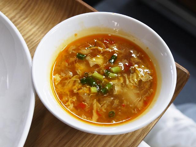 苗(ミャオ)族伝統発酵トマトスープ(苗家紅酸湯牛肉)