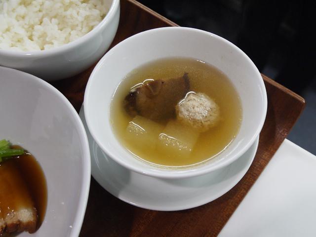 鶏団子と冬瓜の蒸しスープ