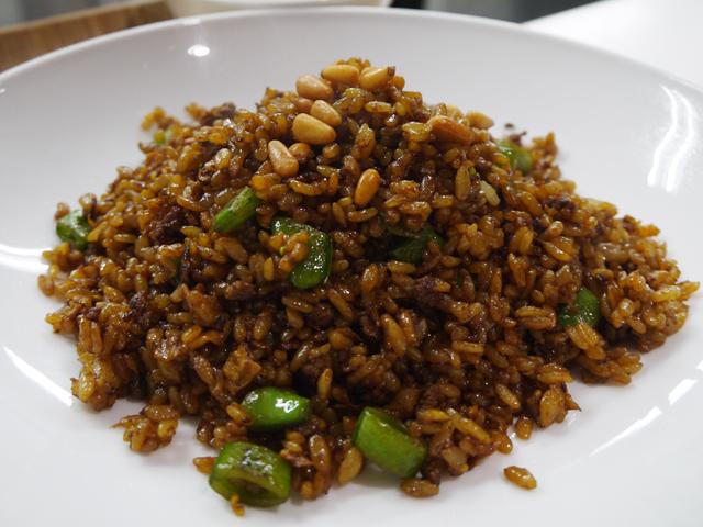 A:黒炒飯