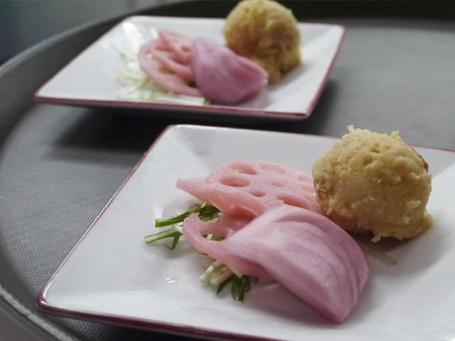 カブとレンコンの赤ワイン風の甘酢/中華風ポテトサラダ