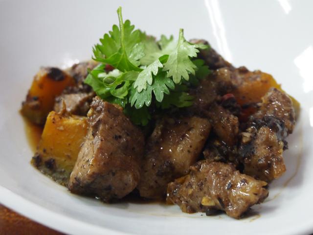 B:豚肉の豆豉蒸し